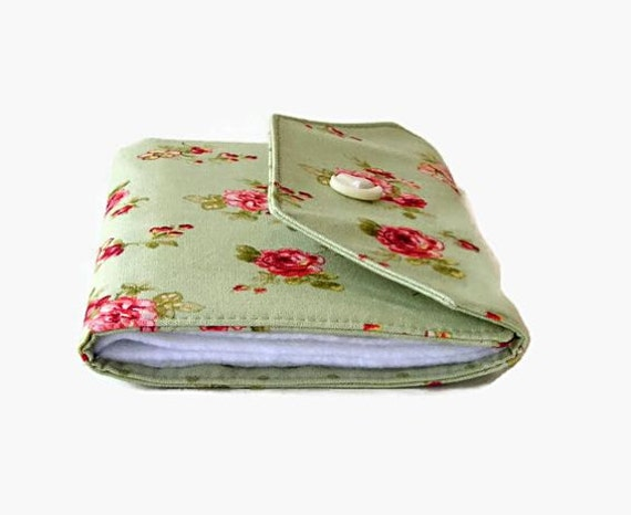 Needle Wallet - Green and Pink Roses Needle Case - Sewing Organizer