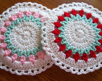 Rose Bud Wreath  Wall Hangings / Potholders (pr)