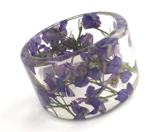 Size Large Purple Resin Bangle.  Sophisticated Bracelet with Pressed Flowers.  Purple Larkspur Engraved Gift.  Personalized.