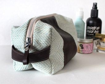Dopp bag Toiletry case herringbone fabric and leather