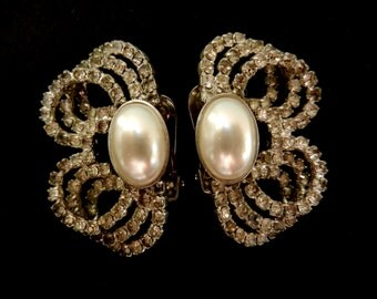 Lovely Crystal and Simulated Pearl Earrings - 1970s Italian high fashion signed earrings for breathtaking style and bright -- Art.589/3 --