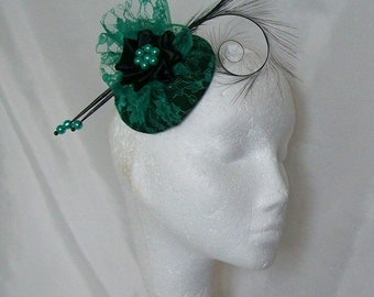 Emerald Green Lace & Black Curl Feather Pearl Percher Wedding Fascinator Mini Hat -  Custom Made to Order