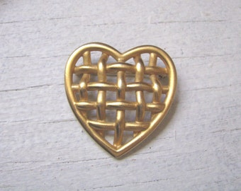 Vintage AK mod gold tone open design heart brooch pin Anne Klein