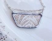 Vintage White & Gold Ceramic Necklace