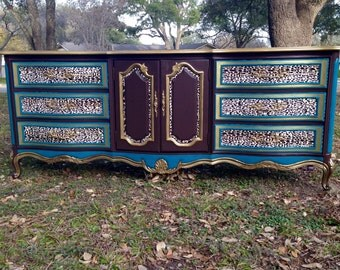 Wild elegance 9-drawer dresser