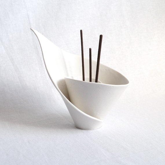 Spiral LILY incense stick holder, reed diffuser, joss stick burner, scent stick holder, candle holder, white porcelain modern zen decor