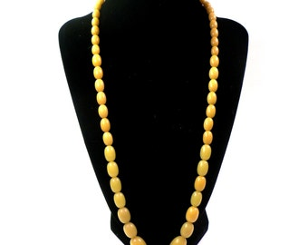 Vintage Butterscotch Bakelite Bead Necklace // Choker Yellow
