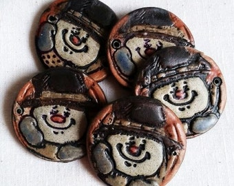 Handmade Snowman Focal Bead Ceramic Connector Bead Handpainted Folk Art Pendant Embellishment Jewelry Components Bracelet focal bead