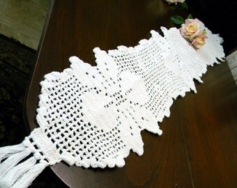 Crocheted Table Runner - Table Scarf in White 9717