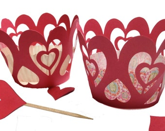 Heart shaped cupcake wrapper and topper set