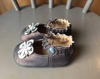 Baby Shoes Classic MaryJane Soft Sole with Flower in Metallic bronze brown Leather Size 4 Ready to Ship
