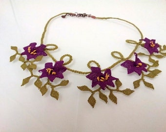 vintage purple  flowers crochet necklace  with green leaves