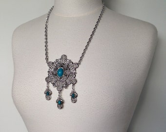 Silver Vintage 70s Necklace With Turquoise Stones