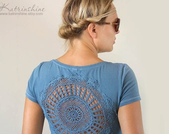 Steel Grey t-shirt  with upcycled vintage crochet doily back - size M