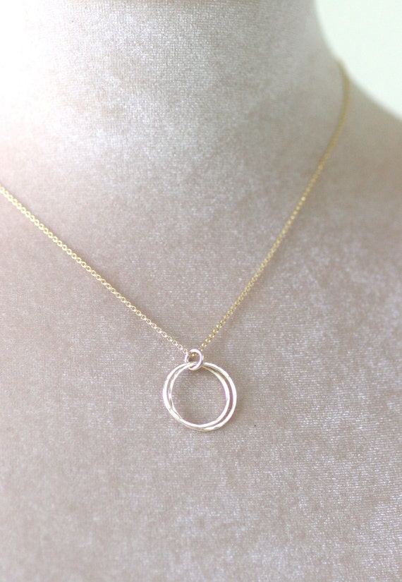 Wedding Gift For Twin Sister : Gold interlocking circle necklace 2 circle by ILoveHoneyWillow