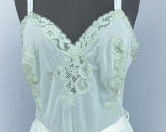 Vintage 50s/60s EXQUISITE Pale green Chiffon Nightgown by Vanity Fair, Medium, 36 Bust