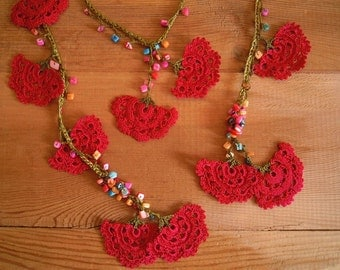 red crochet lariat necklace, large fanshapes