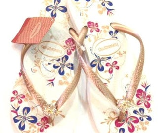 Havaiana White Floral Summer Flip Flops with genuine Swarovski Crystal Flower Finding gold plated