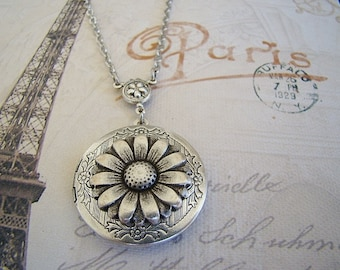 Silver Daisy Necklace Locket Wife Sister Bride Bridesmaid Wedding Graduation Birthday Mother Daughter Anniversary Photo Pictures - Colette