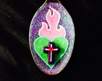 Sacred Heart - spoon necklace - pink/green