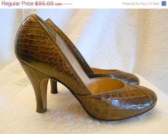 ON SALE NOW 40s Alligator Shoes / 1940s Alligator Pumps / Crocodile Heels 6 7