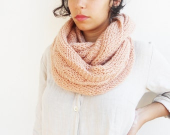 Hand knitted eternity scarf-pastel rose-smoke pink infinity scarf-winter loop women scarf-unisex chunky scarf-plait pattern-cozy men fashion
