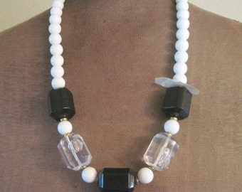 Black and White Lucite Plastic Hong Kong 80s Necklace Deadstock New Old Stock Statement Necklace