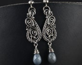 NAIDA - silver wire wrap earrings with sapphire