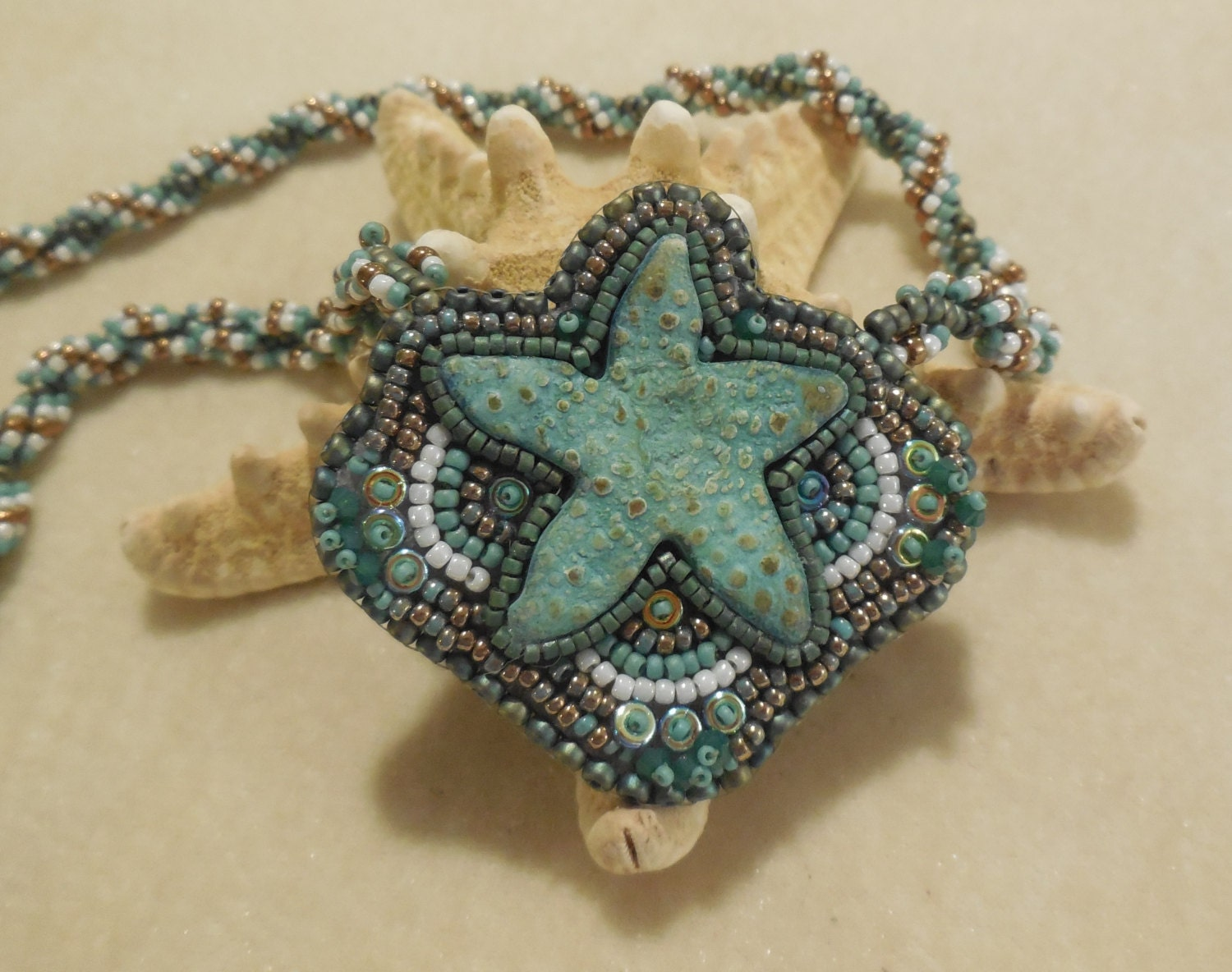 pattern tutorial for starfish bead embroidery and spiral