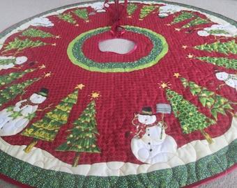 Christmas Tree Skirt Snowman and Christmas Tree,Quilted Tree skirt, Snowman Tree skirt, Red Green Christmas decor.