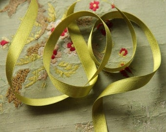 """one yard pure silk double face satin ribbon 3/8"""" wide chartreuse green shade ribbonwork dolls flower rosettes millinery hat trim"""