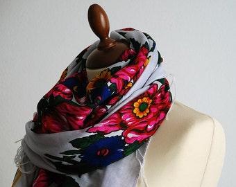 Vintage PAVLOV POSAD russian style extra large FLORAL scarf