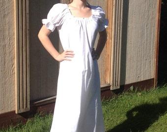 Womens (XL, 2XL, or 3XL) Renaissance Short Sleeve Gown