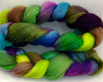4 oz SPINNING BFL combed top  Multi jewels