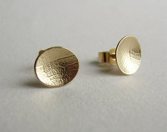 9ct yellow gold mini leaf dish earrings