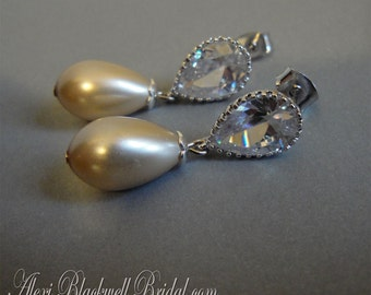 Pearl Bridal Earrings in Champagne Long tear drop Wedding Earrings Pear shape pearls and CZ Rhinestone post elegant with tons of sparkle