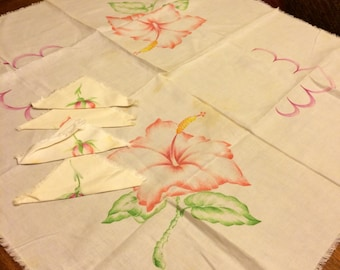 Vintage Table Cloth Square Painted Hibiscus Flower Design with 4 Napkins