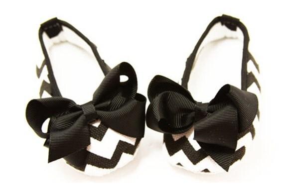 black and white chevron print crib shoes by wholesaleprincess1