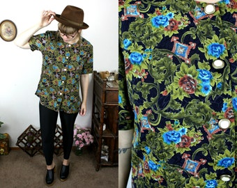 Vintage 80s Floral Print Blouse w/ Lovely Ornate Buttons