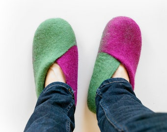 Hand felted slippers INYAN - purple and green wool slippers - made to order house shoes