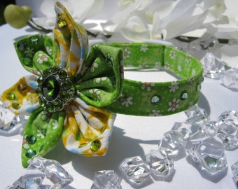 Fancy Dog Collar - Green Daisy - Any Size - Item 302