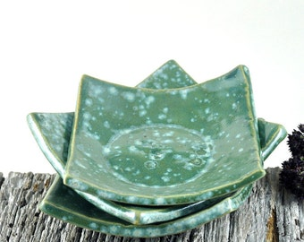 Square Dishes Handmade Pottery Rustic Decor Ceramic Tableware Condiment Dish Green Tableware Set of Three Nesting Bowls