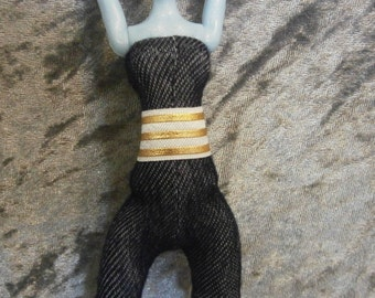 white and gold stripe belt for Monster and Ever after dolls