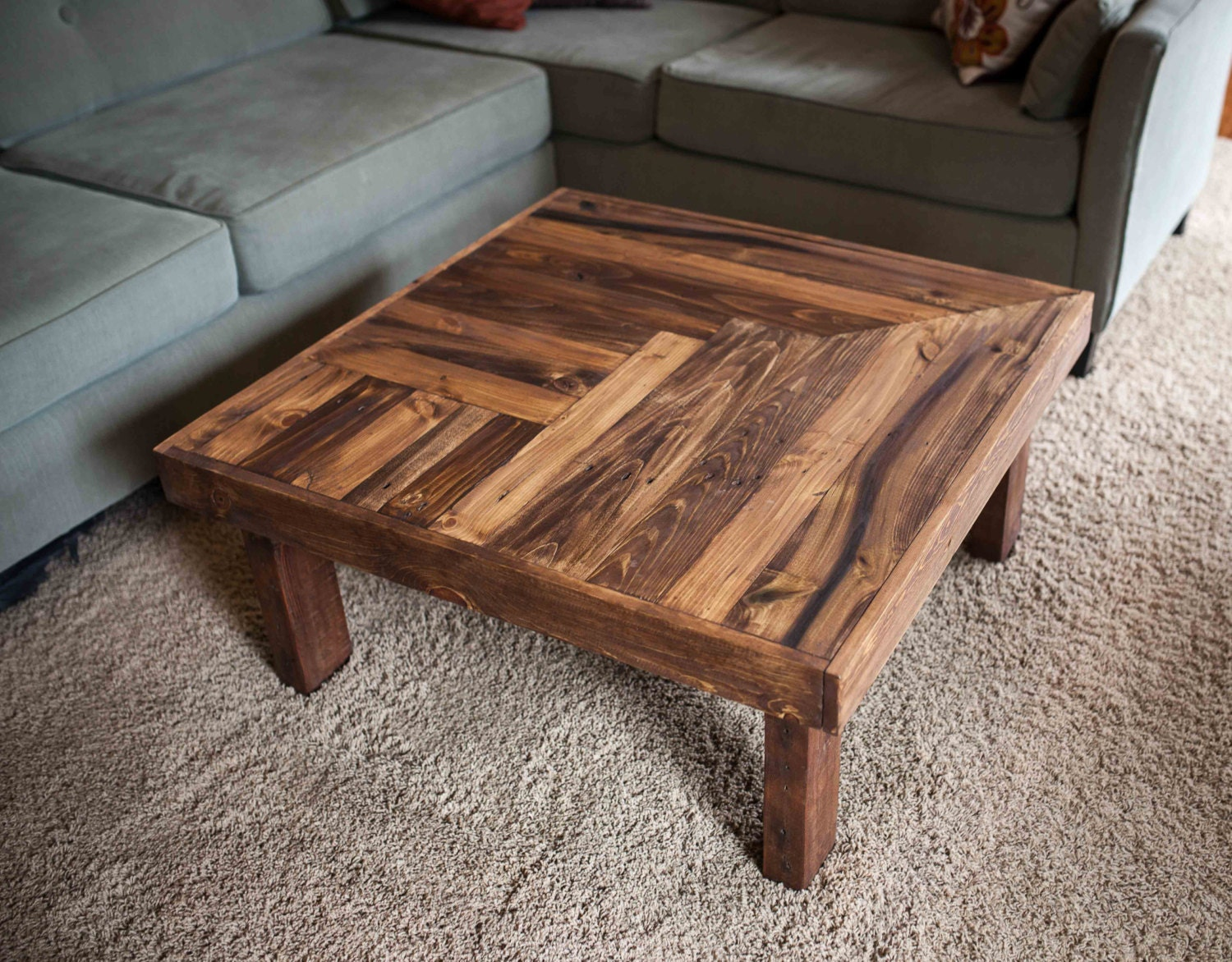 pallet wood coffee table with wooden legs by woodandwiredesigns. Black Bedroom Furniture Sets. Home Design Ideas