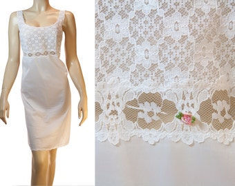 Delightfully feminine soft and silky shiny white nylon and delicate lace bodice detail 70's vintage full slip petticoat unterkleid - PL1030