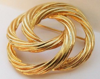 Vintage jewelry brooch in gold tone wedding brooch intertwinned circles Sale half price