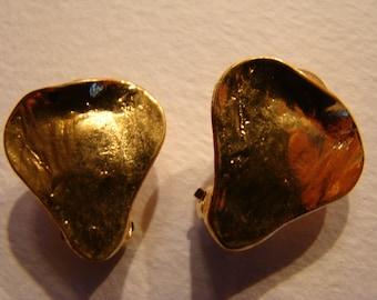 YSL Yves Saint Laurent  LIttle Heart Earrings