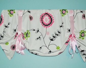 Tie up Valance in white, black, pink  Emma Twill Candy Pink fabric