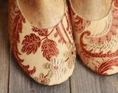 US 9 / Euro 39 / UK 7.5 Victorian Fabric slippers #543
