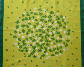Vintage Danish printed tablecloth in brigth green colors / Midcentury